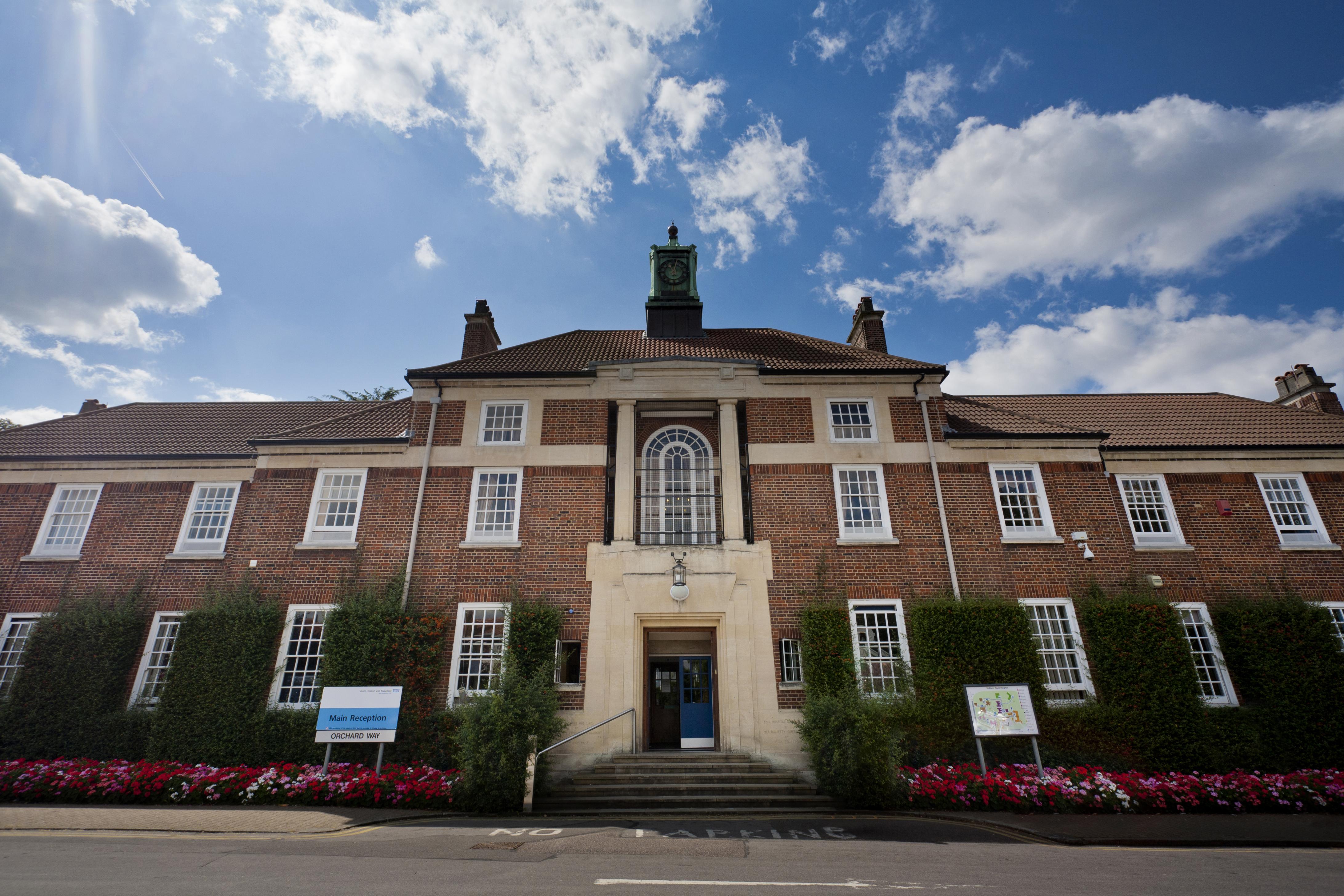 Bethlem_Royal_Hospital_Main_building_view_1